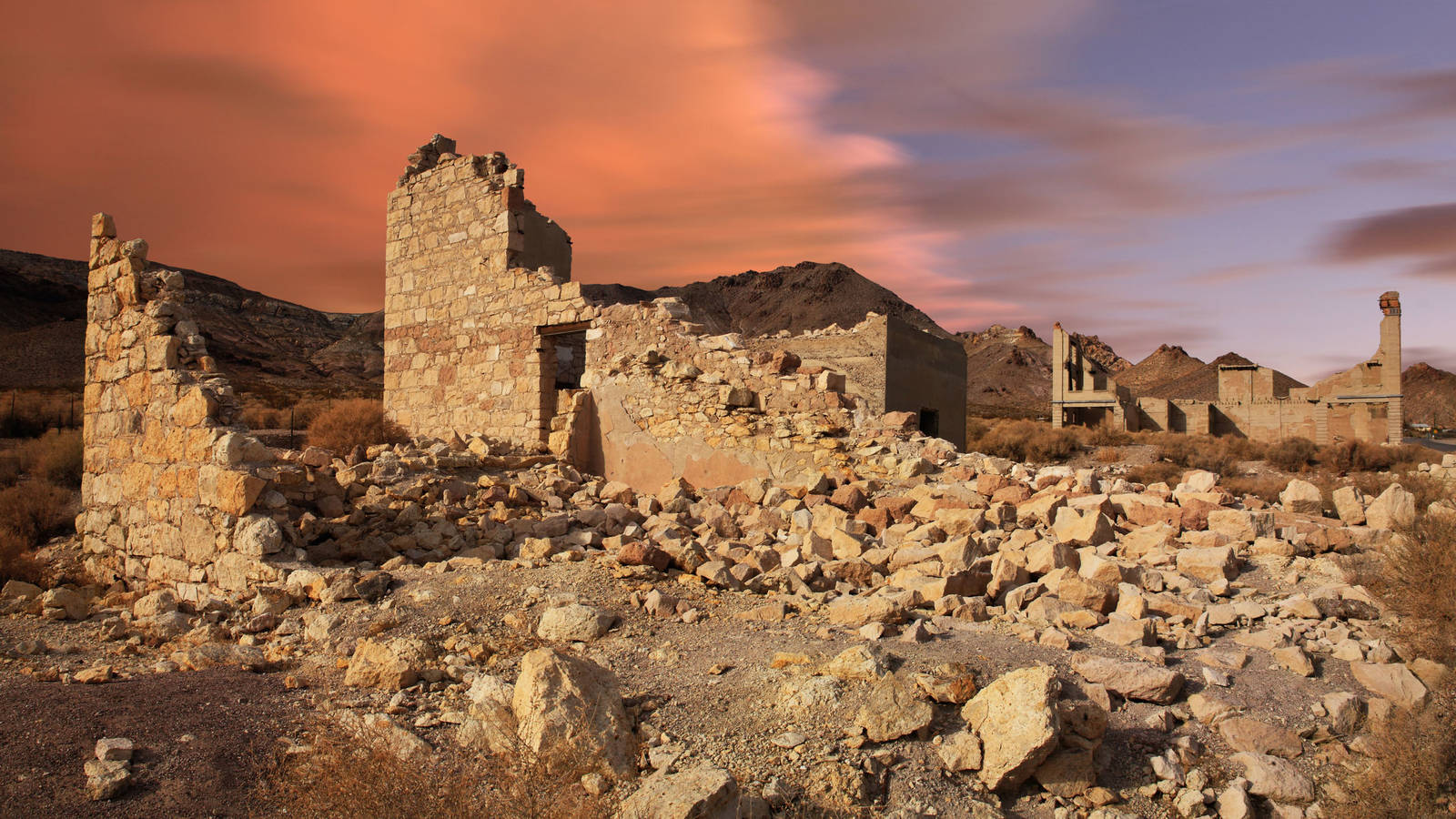 Vacation with Ghosts in These 10 Deserted National Park Towns