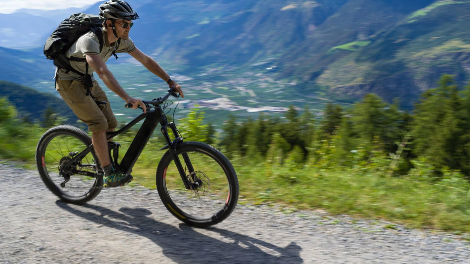 FAQ: Should the National Park Service Allow E-Bikes on Park