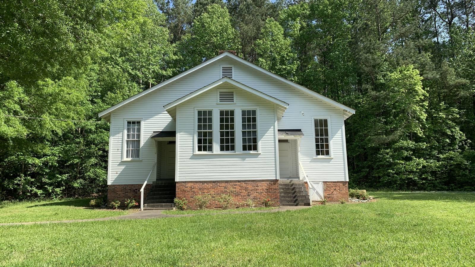 <p>The Russell School, a two-teacher school in pristine condition in Durham County, North Carolina.</p>