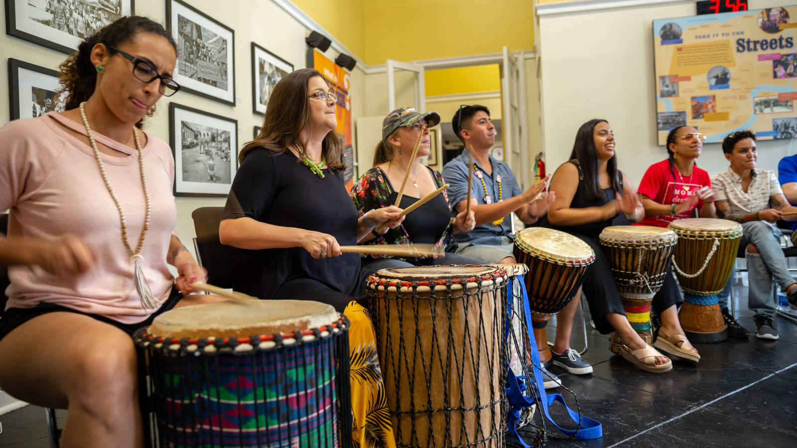 <p>This group of veterans took time to soak in the local culture while on an NPCA-organized trip to New Orleans Jazz National Historical Park.</p>