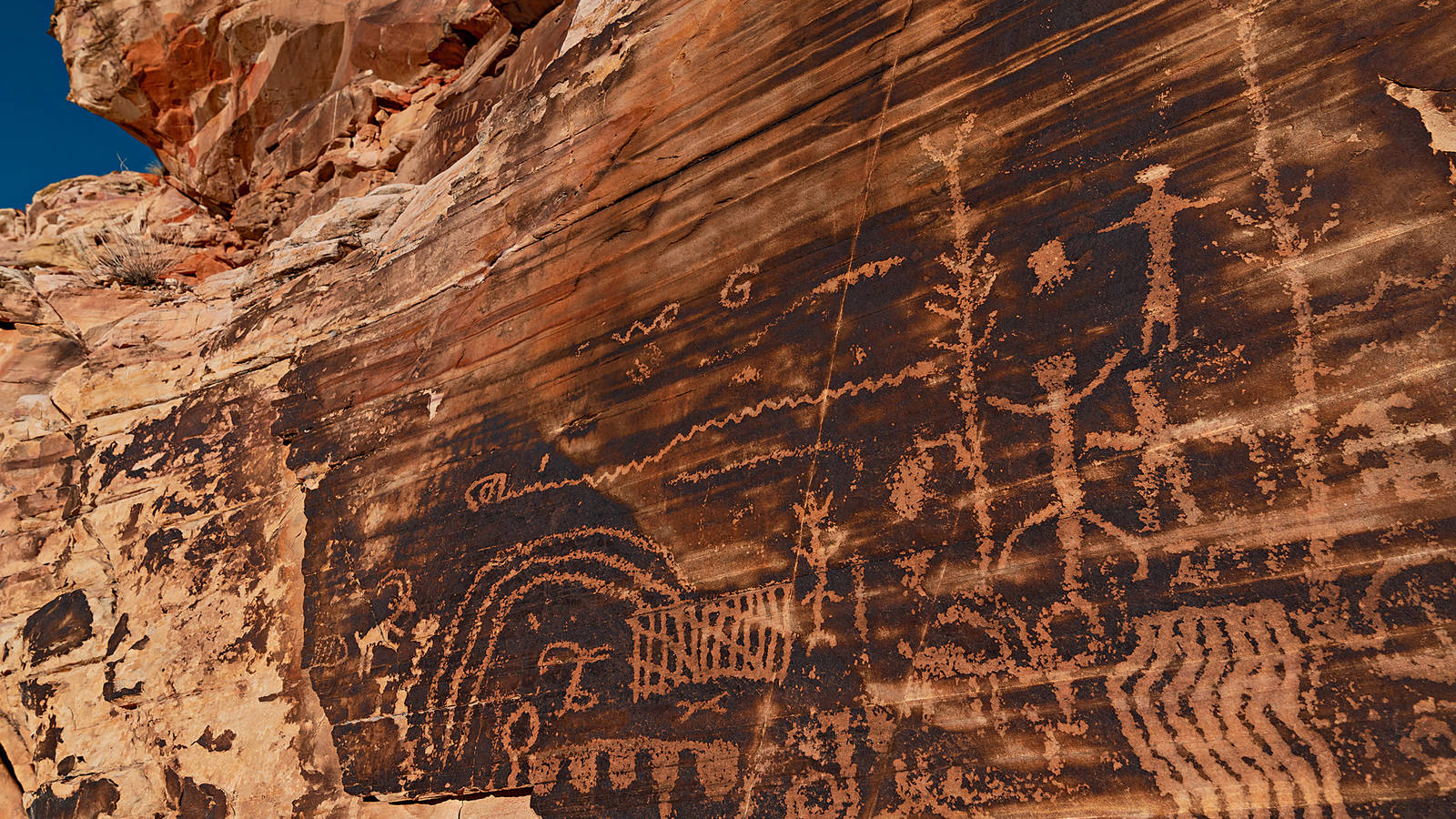 """<h3 style=""""text-align: center; padding: 50px;""""><span class=""""text-Intro-style"""">Gold Butte, one of the country's newest national monuments, was established in 2016 partly because of its exceptional rock art. The Falling Man area features human figures and bighorn sheep, <br />which are common motifs in Southwest rock art. © STEPHEN ALVAREZ</span></h3>"""
